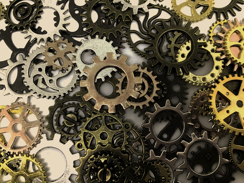 Golden-cogs-2279289_960_720